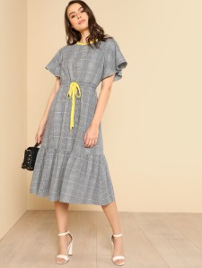 SHEIN Contrast Neck Drawstring Waist Plaid Dress
